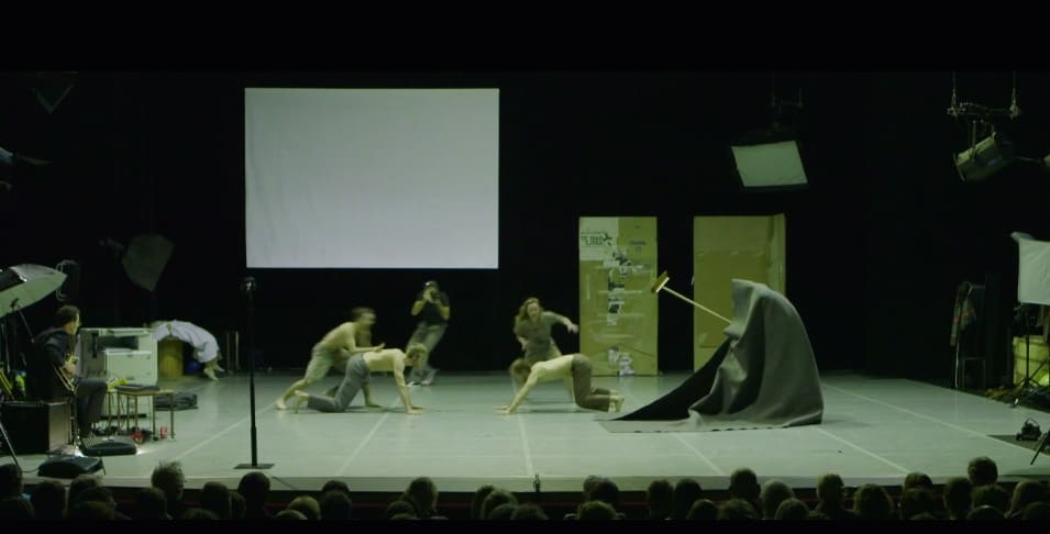 The battlefield of the stage. booty Looting directed by Wim Vandekeybus, Ultima Vez, Teatro alle Tese, Venice 2012. Still video