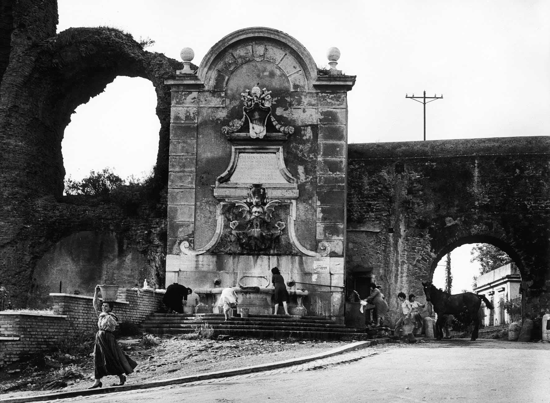 Voix Corp-Helga Finter-W. Klein, L' acquedotto in Via del Mandrione e in Via di Porta Furba, 1957