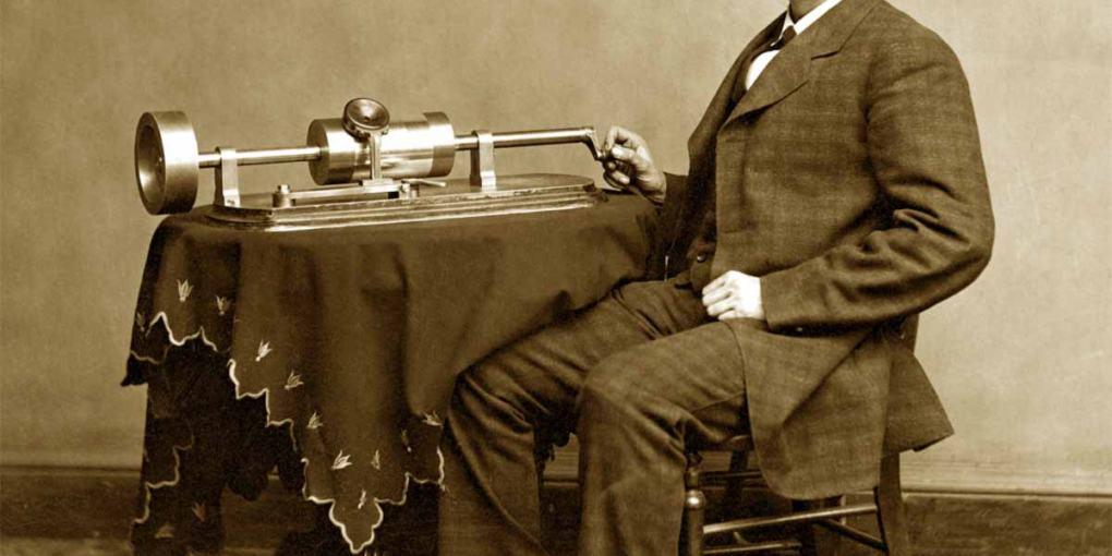 Thomas Edison e il suo fonografo. Aura del sonoro.