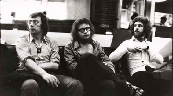 Ryszard Cieślak, Jerzy Grotowski e Aleksander Lidtke durante il viaggio verso l'Australia nella primavera del 1974. Foto di Andrzej Paluchiewicz.