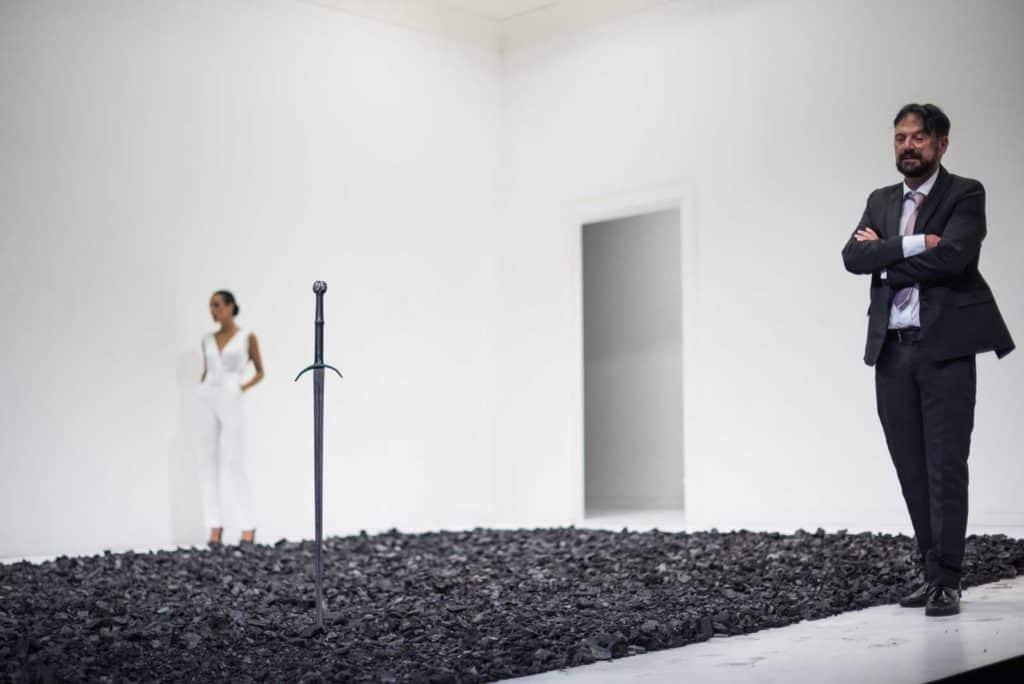 Ayad Akhtar, «Disgraced», regia di Martin Kušej, 2017. Teatro Carignano di Torino. Astrid Meloni, Paolo Pierobon. Foto di Andrea Macchia.