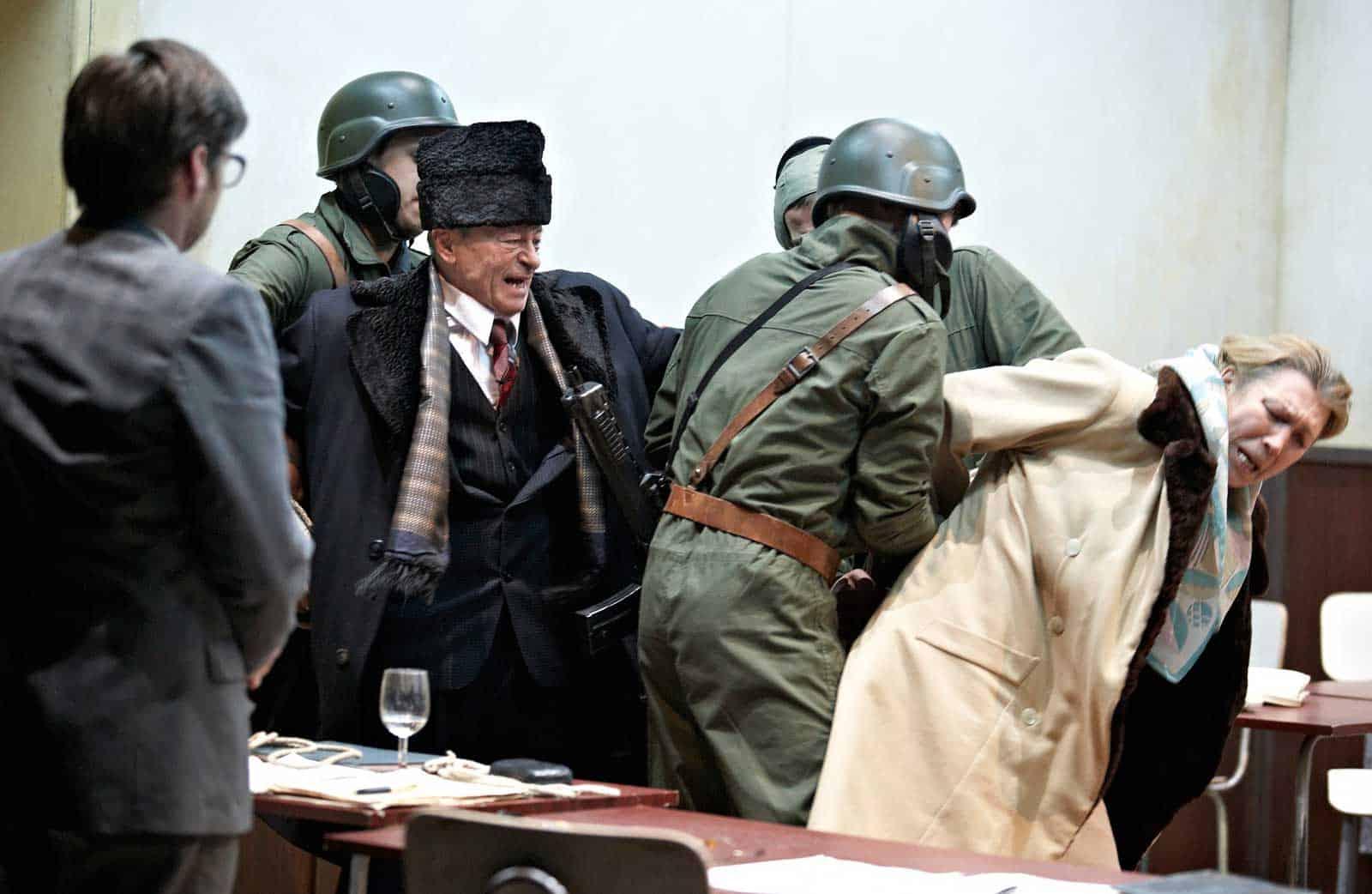 Milo Rau e Simone Eisenring, «Gli ultimi giorni di Ceausescu», 2009, HAU 2 Berlino.