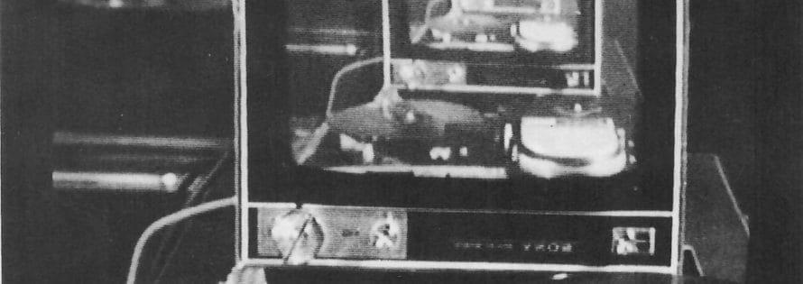 Frame dal video ABC video (1978) di Lola Bonora, Carlo Ansaloni e Maurizio Cosua realizzato durante il secondo video laboratorio alla galleria del Cavallino. Courtesy collezione privata Cardazzo, Venezia.