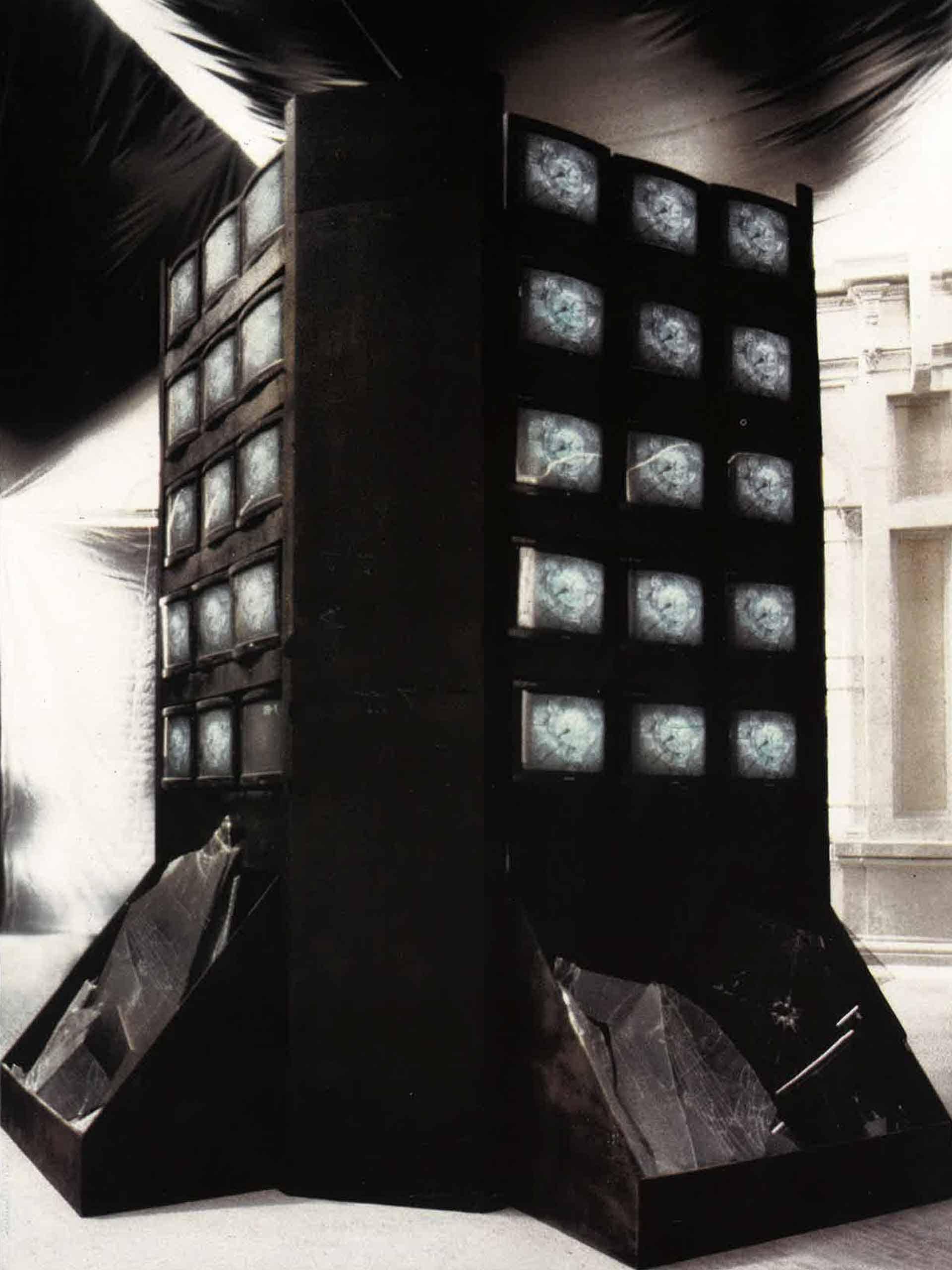 Federica Marangoni, «Glass Dream», installazione, 1989. Archivio Federica Marangoni.