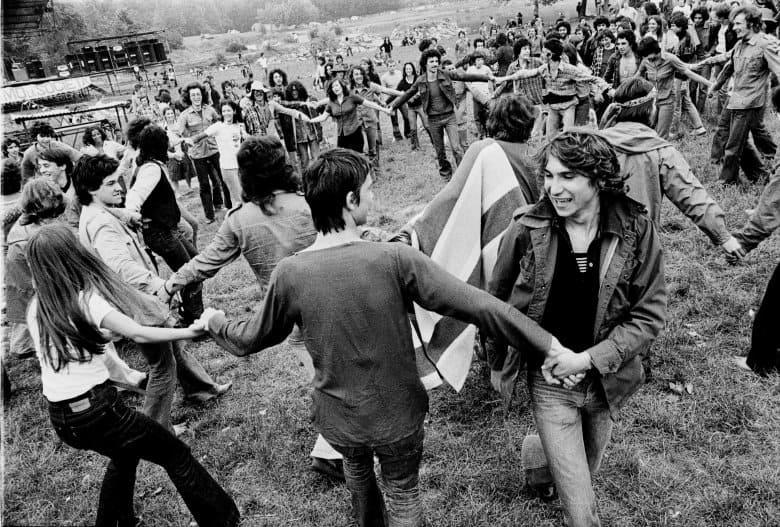 Frame da  Alberto Grifi, «Il Festival del proletariato al Parco Lambro», video, 1976.