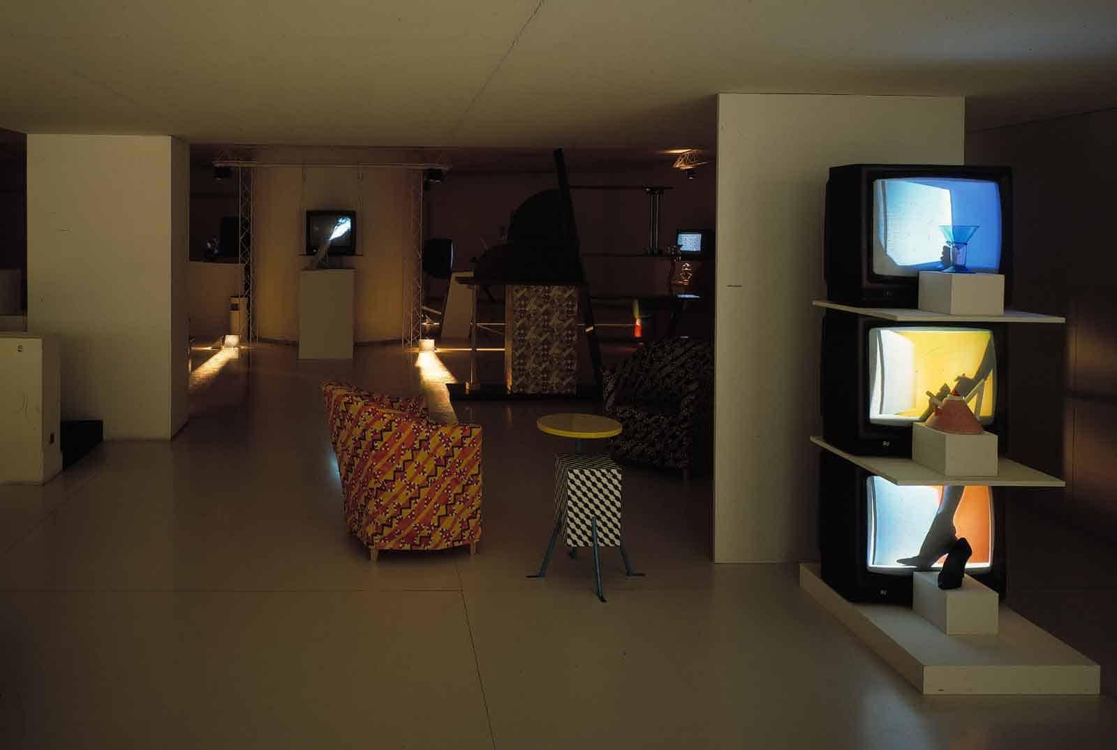 Studio Azzurro, «Luci di inganni», videoambiente, Showroom ARC-74, Milano, 1982. Archivio Studio Azzurro.