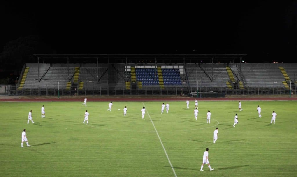 Gianni Piacentini, Partita bianca incontro di calcio uguale e pari, 2010, Stadio San Pietro, Foligno. Fotografia: Claudio Asquini (courtesy dell'artista).
