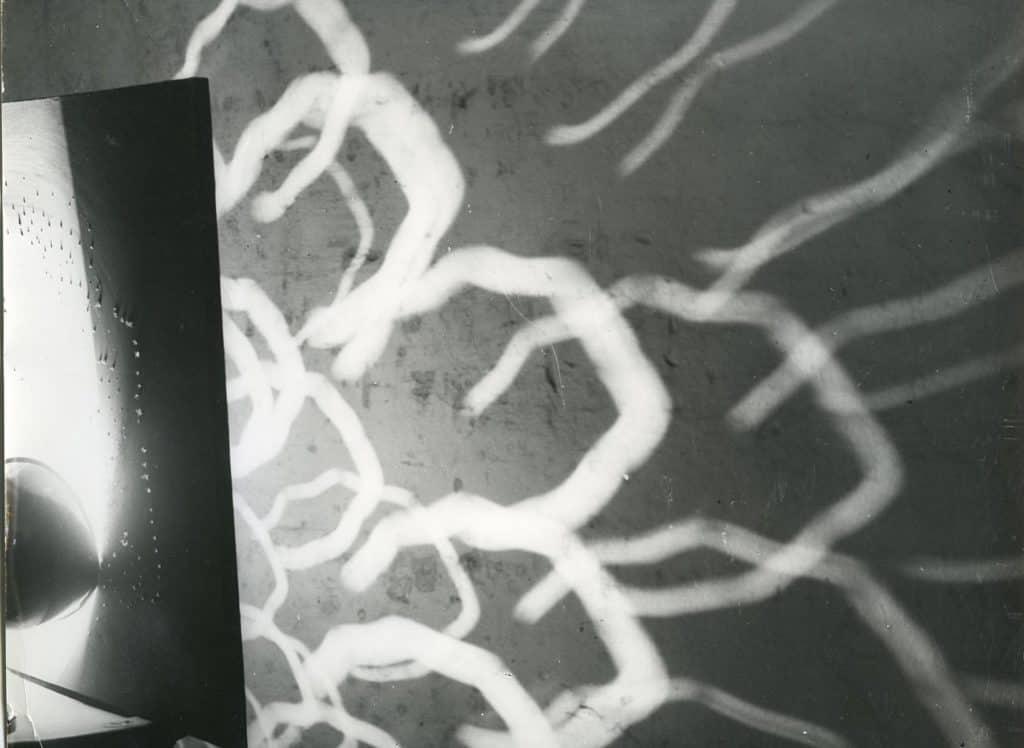 Lucio Fontana, <em>Concetto spaziale per televisione</em>, 1952. Foto Attilio Bacci. Fondazione Lucio Fontana, Milano. ©Fondazione Lucio Fontana, by Siae 2020.