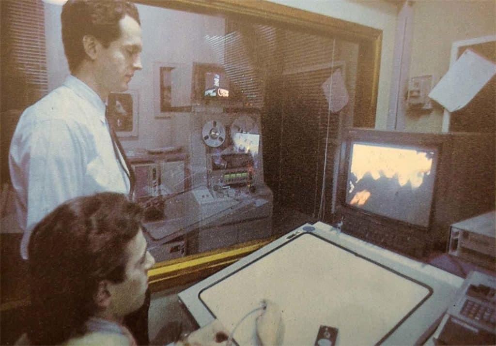 Ranuccio Sodi e Massimo Iosa Ghini al Quantel Paintbox. Immagine tratta dalla rivista «Monitor», n. 64, 1986, p. 51