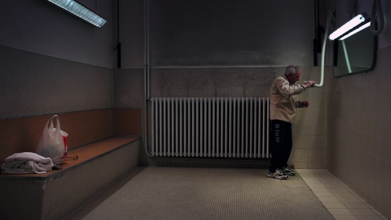 Gente dei bagni (2015), di Francesca Scalisi e Stefania Bona, frame video.