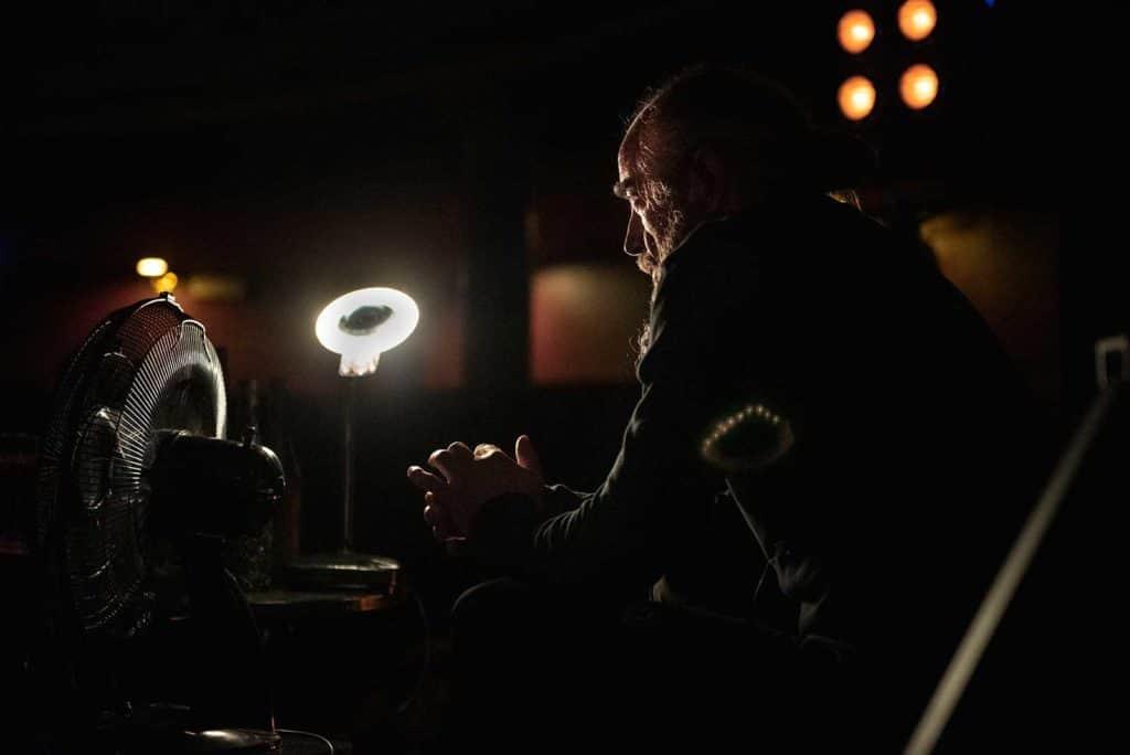 <em>Solaris</em> regia Andrea De Rosa, luci e fotografia Pasquale Mari, 2021: Snow (Werner Waas), foto Federico Pitto.