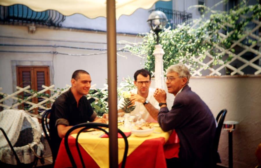 Alfredo Pirri,Gianfranco Mantegna,Giorgio Maragliano, 1990. Foto di Enrico Cocuccioni. Rassegna internazionale video d'autore. Taormina.