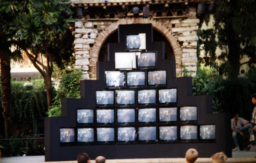Marie-Jo Lafontaine. Les larmes d'acier. 1989. Foto di Enrico Cocuccioni. Rassegna internazionale del video d'autore. Taormina.