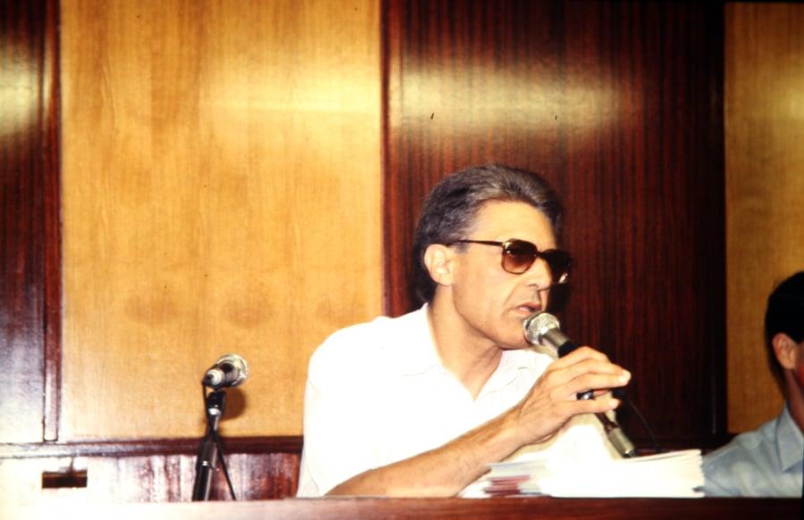 Mario Perniola, 1990. Foto di Enrico Cocuccioni. Rassegna internazionale video d'autore. Taormina.