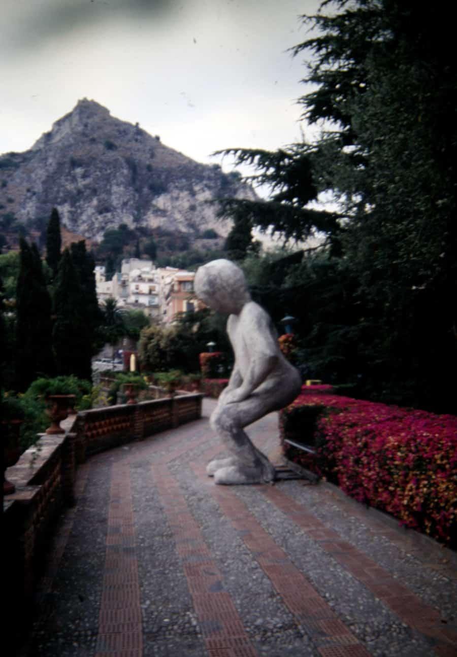 Vito Acconci. Telebodies. 1991. Foto di Gianfranco Mantegna. Rassegna internazionale del video d'autore. Taormina.