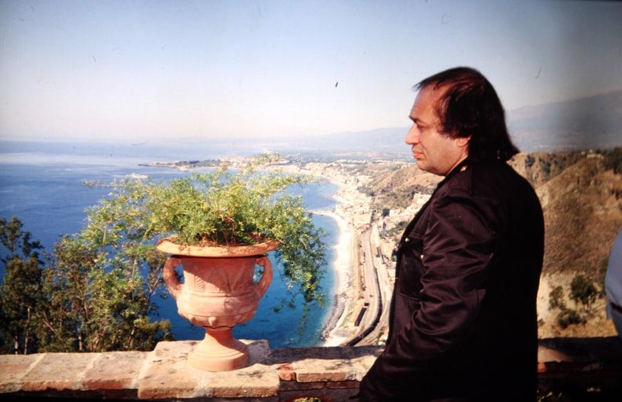 Vito Acconci, 1990