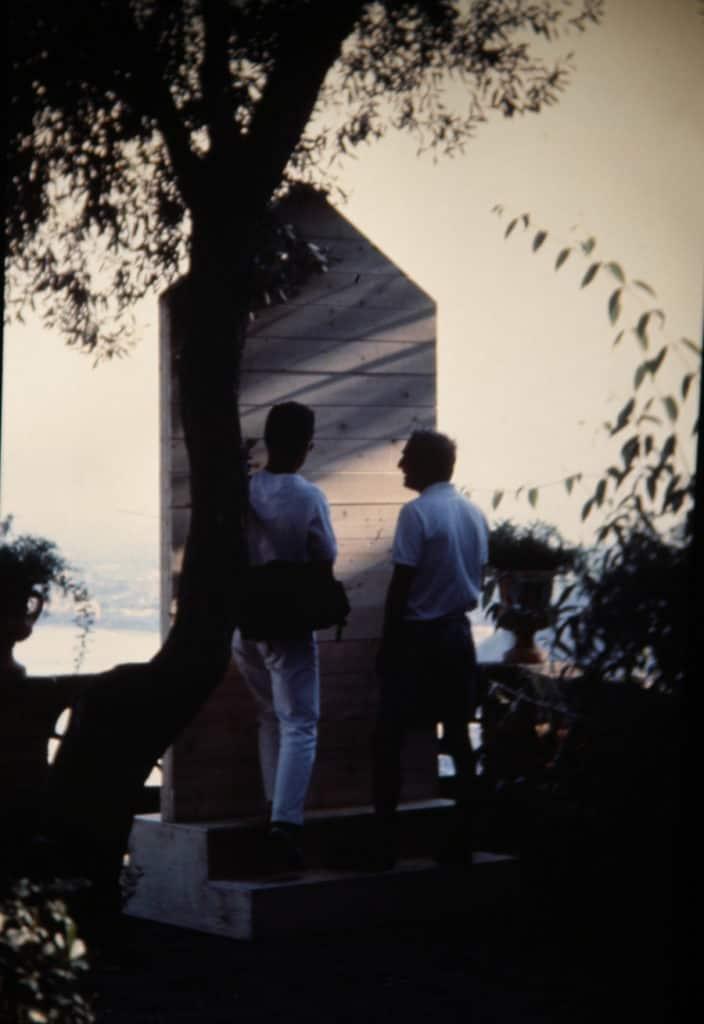 Antoni Muntadas. Doppio senso: spettatore e osservato o speculazione voyeuristica. 1991. Foto di Enrico Cocuccioni. Rassegna internazionale del video d'autore. Taormina.