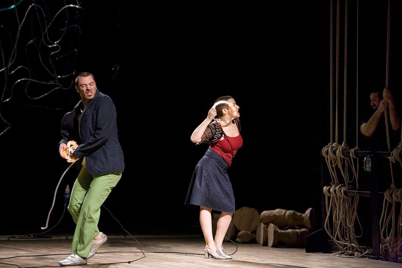Babilonia Teatri. Made in Italy. 2007. © Foto di Nirmal Caselli.