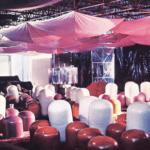 Teatro XIV Triennale MIlano. 1968. Pietro Derossi. La sala. Foto di Gianni Berengo-Gardini. Pubblicata in Derossi, Angeli, «L'avventura del progetto. L'architettura come conoscenza, esperienza, racconto», Franco Angeli, 2012.