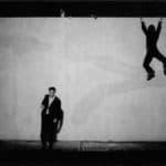 Giorgio Barberio Corsetti. Descrizione di una battaglia. 1988. Foto di Tilde De Tulio. Pubblicata in G. B. Corsetti, R. Molinari (a cura di), 'L'attore mentale', Ubulibri, Milano, 1992, pag.153