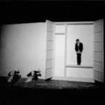 Giorgio Barberio Corsetti. Descrizione di una battaglia. 1988. Foto di Tilde De Tullio. Pubblicata in G. B. Corsetti, R. Molinari (a cura di), 'L'attore mentale', Ubulibri, Milano, 1992, pag.159
