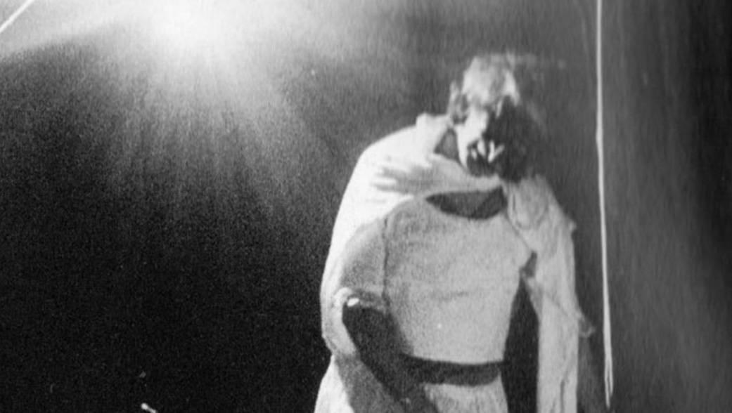 Leo De Berardinis and Perla Peragallo. Avita murì. 1978. Published in Gianni Manzella, 'La bellezza amara. Arte e vita di Leo de Berardinis', Florence, La Casa Usher, 2010