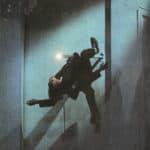 Cuori strappati. La Gaia Scienza. 1983. Guidarello sembra fatto di gomma. Si butta, si arrampica. Eccolo appeno a un pennone. © Foto di Maria Causati, Pubblicata in «Frigidaire», n°32-33, luglio-agosto, 1983.