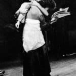 Carlo Quartucci. Nora Helmer. Luigi Mezzanotte e Carla Tatò in 'Nora Helmer in tournée' 1975. Pubblicata in La zattera di Babele (a cura di), 'La Zattera di Babele 1981-1991: 10 anni di parola, immagine, musica, teatro', Tipografia Press 80, Firenze 1991, p. 45