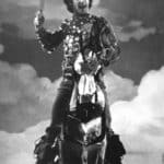 Orlando furioso. Luca Ronconi. 1969. Un momento dello spettacolo durante le repliche parigine. Sergio Nicolai (Rinaldo) si lancia all'attacco del nemico, montando il proprio cavallo. Foto di Sergio Nicolai.