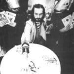 Moby Dick. Mario Ricci.1972. Claudio-Achab, Angela-pesce e deborah-pesce nel mezzo del loro strano gioco di carte. © foto di Tommaso La Pera