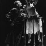 Teatro delle Albe, Lus (1995), nella foto Ermanna Montanari, Stefano Cortesi, foto di Corelli e Fiorentini 1995, pubblicata in www.archivio.teatrodellealbe.com