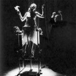 Lus (1995). Teatro delle Albe. 1997. In scena Ermanna Montanari e Luigi Dadina. Foto di Gianfranco Dadina. Pubblicata in S. Chinzari, P. Ruffini, «Nuova scena Italiana», Castelvecchi, 2000.