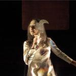 Teatro delle Albe, Lus (2015), nella foto Ermanna Montanari, foto di Luca Del Pia 2015, pubblicata in www.archivio.teatrodellealbe.com