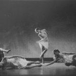 Compagnia Teatro Danza La Fenice in «Underwood», coreografia di Carolyn Carlson. Foto Arici, Venezia. Pubblicata in Elisa Vaccarino, 'Altre scene, altre danze', Einaudi editore, Torino 1991.