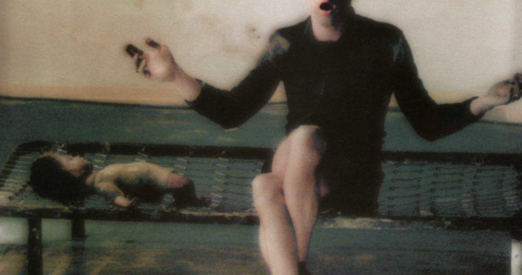 Socìetas Raffaello Sanzio. Amleto. La veemente esteriorità della morte di un mollusco. 1992. In foto Paolo Tonti nei panni di Orazio/Amleto.