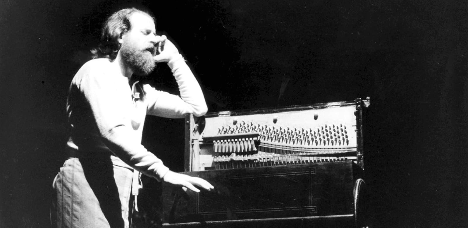 Mimmo Cuticchio. Visita guidata all'Opera dei Pupi. 1989. © Foto di Salvo Rizzo.