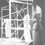 Achille Perilli, Gruppo Altro. Altro/ICS. 1977. Tre performer in posizione per la prima azione appiattimenti. Pubblicato in 'Altro. Dieci anni di lavoro intercodice', edizioni Kappa, 1981.