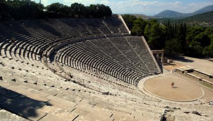 Voce e suono nel teatro antico
